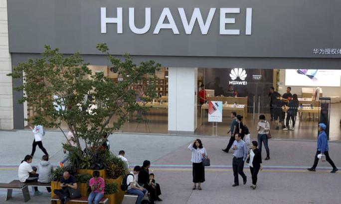 """Lo ngại tác động khủng khiếp, Mỹ nới """"thòng lọng"""" cho Huawei - Ảnh 1."""
