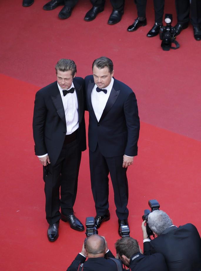 Leonardo DiCaprio, Brad Pitt lịch lãm trên thảm đỏ - Ảnh 13.
