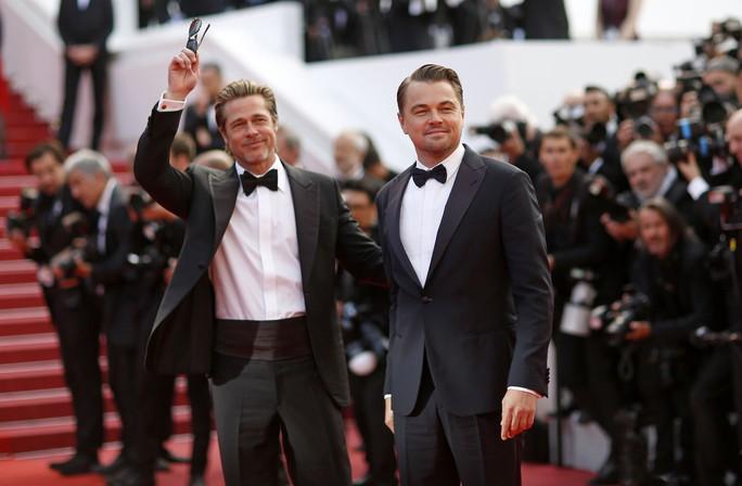 Leonardo DiCaprio, Brad Pitt lịch lãm trên thảm đỏ - Ảnh 10.