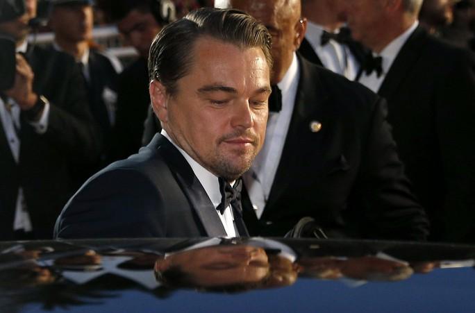 Leonardo DiCaprio, Brad Pitt lịch lãm trên thảm đỏ - Ảnh 16.