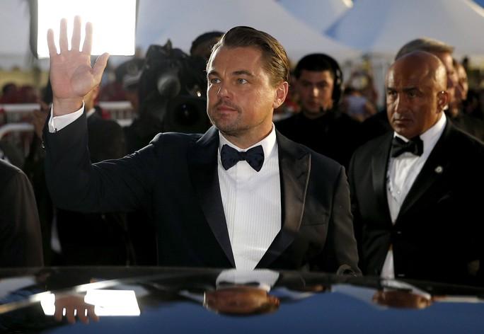 Leonardo DiCaprio, Brad Pitt lịch lãm trên thảm đỏ - Ảnh 15.