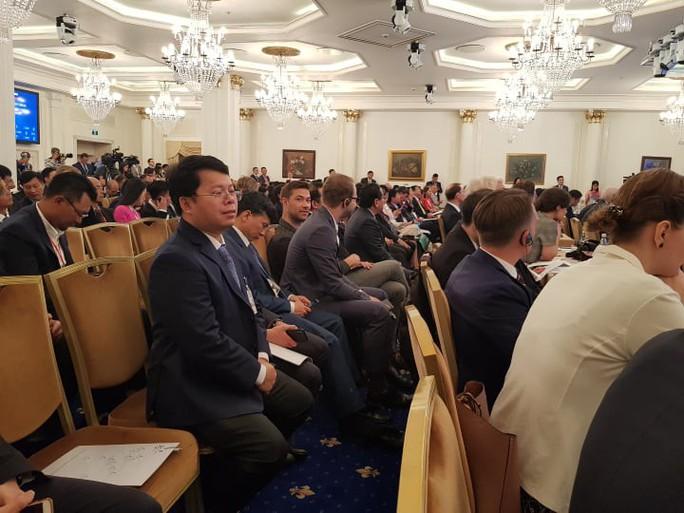 Thủ tướng: Doanh nghiệp Nga hãy yên tâm, con cháu các bạn cũng yên tâm làm ăn tại Việt Nam - Ảnh 1.