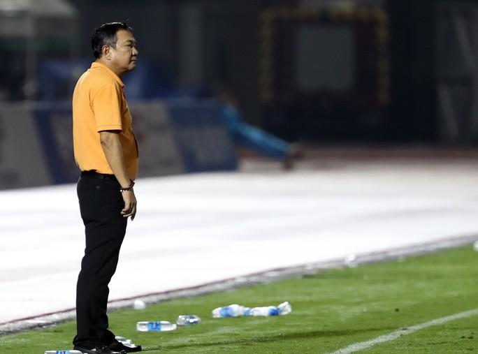 HLV Vũ Hồng Việt lần đầu dẫn dắt CLB ở V-League - Ảnh 2.