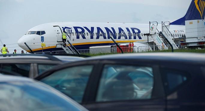 Nữ hành khách chết ngay khi máy bay sắp cất cánh - Ảnh 1.