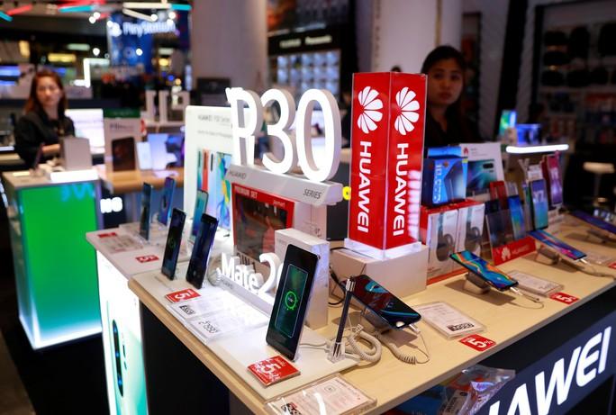 Làn sóng tẩy chay Huawei lan rộng - Ảnh 1.