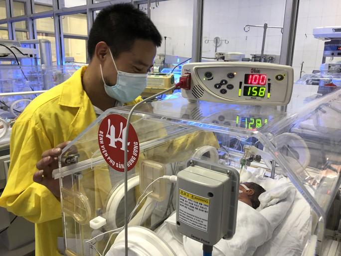 Bé sơ sinh con người mẹ trẻ ung thư giai đoạn cuối giờ ra sao? - Ảnh 7.