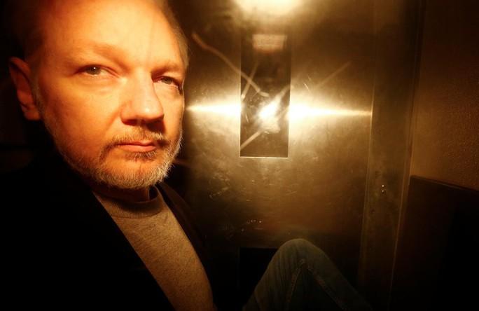 Mỹ truy tố ông chủ Wikileaks thêm 17 tội - Ảnh 1.