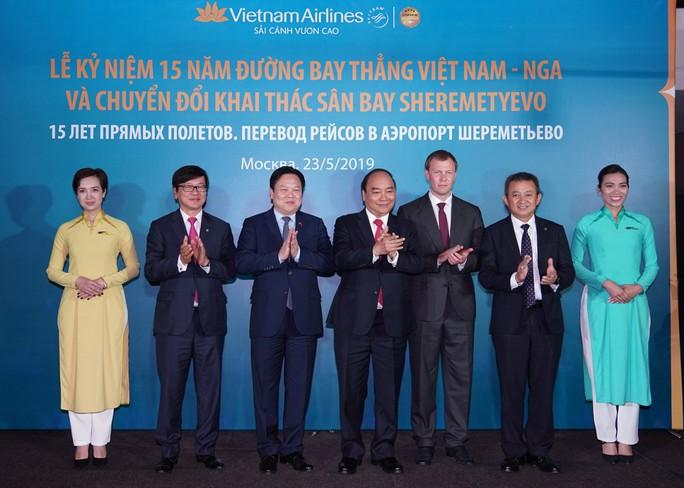 Vietnam Airlines kỷ niệm 15 năm bay thẳng đến Nga - Ảnh 1.