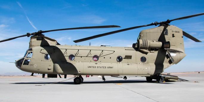 Trực thăng quân đội Mỹ tan nát khi hạ cánh ở Afghanistan - Ảnh 1.
