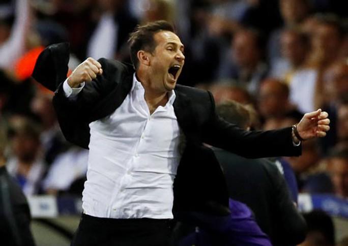 HLV Lampard chính thức dẫn dắt Chelsea với giá 16,5 triệu bảng - Ảnh 2.