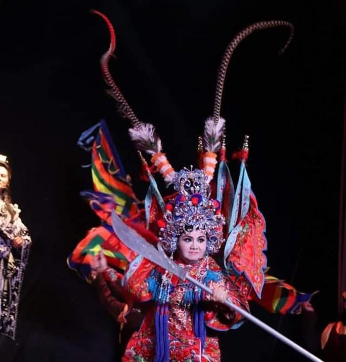 Chung Vô Diệm cháy vé, Chí Linh – Vân Hà hào hứng dựng tuồng mới - Ảnh 3.