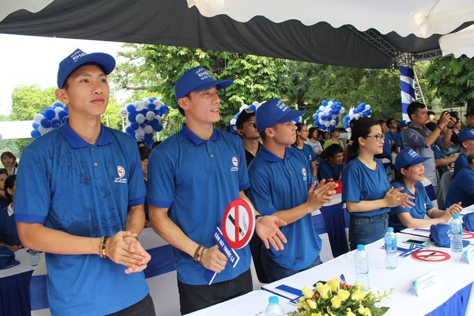 Nhiều cầu thủ đội tuyển bóng đá Việt Nam kêu gọi mọi người bỏ thuốc lá - Ảnh 2.