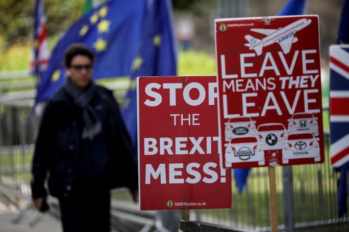 Thủ tướng Anh ra đi, Brexit thêm rối ren? - Ảnh 1.