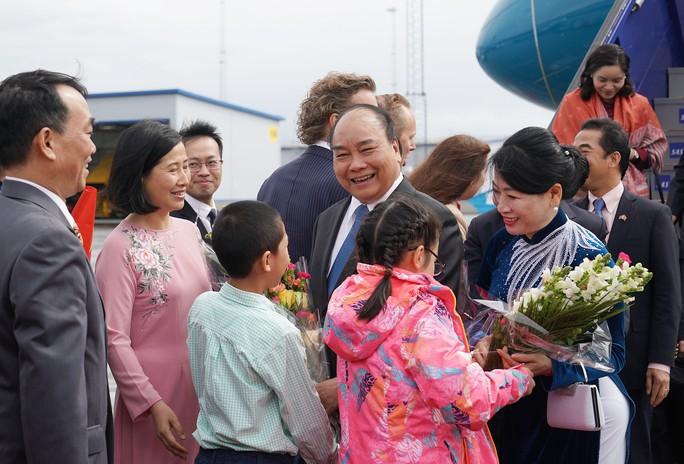 Thủ tướng Nguyễn Xuân Phúc bắt đầu chuyến thăm chính thức Thụy Điển - Ảnh 3.