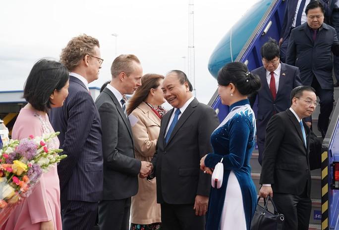 Thủ tướng Nguyễn Xuân Phúc bắt đầu chuyến thăm chính thức Thụy Điển - Ảnh 2.