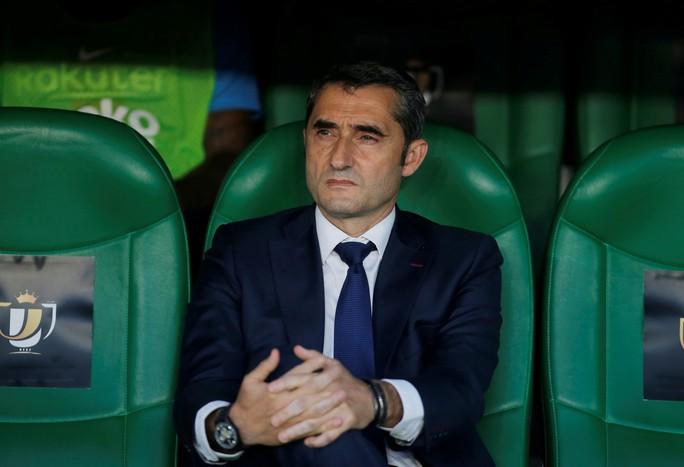 Đá bay Barcelona, Valencia nghẹt thở đoạt Cúp Nhà vua - Ảnh 3.