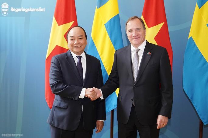 Thủ tướng Nguyễn Xuân Phúc hội đàm với Thủ tướng Stefan Loefven - Ảnh 1.