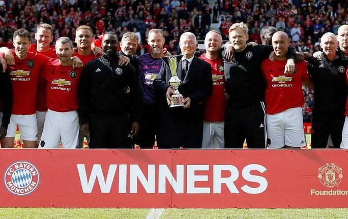 Ferguson tái xuất, Man United đè bẹp Bayern Munich ở Old Trafford - Ảnh 17.