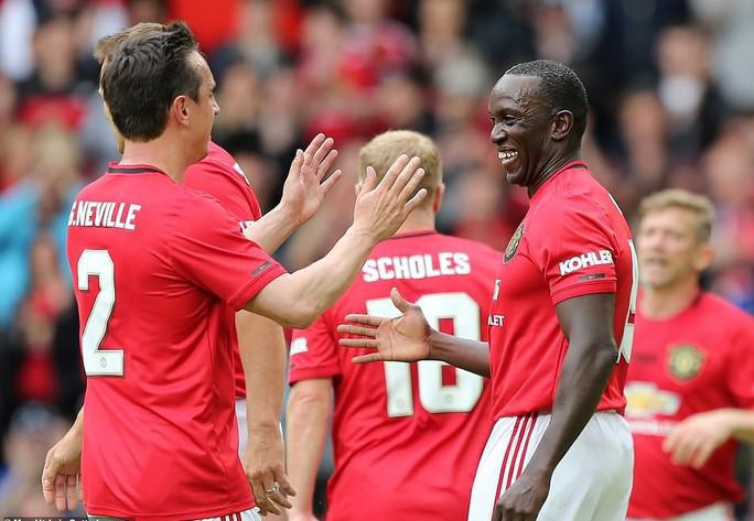 Ferguson tái xuất, Man United đè bẹp Bayern Munich ở Old Trafford - Ảnh 13.