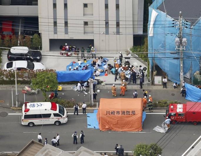 Nhật Bản: 2 người chết, 17 người bị thương trong vụ tấn công bằng dao - Ảnh 2.