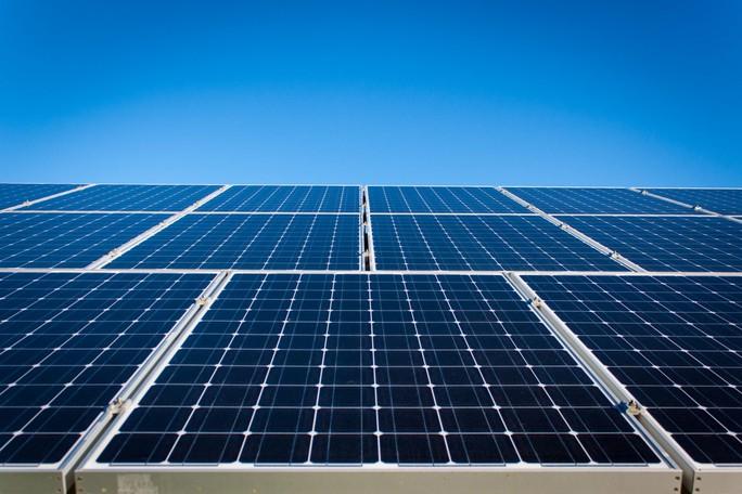 Chạy đua đóng điện mặt trời trước 30-6 - Ảnh 1.