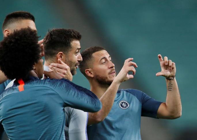 Chelsea tung hỏa mù về việc David Luiz tranh cãi với Higuain khiến Sarri bất mãn? - Ảnh 6.