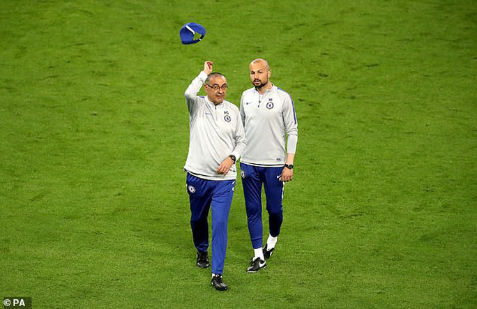 Chelsea tung hỏa mù về việc David Luiz tranh cãi với Higuain khiến Sarri bất mãn? - Ảnh 3.