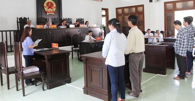 Xử vụ táo tợn cướp tiệm vàng Phú Yên - Ảnh 2.