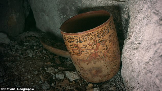 Nữ hoàng Maya lộ diện trong mộ cổ dưới lòng đất - Ảnh 2.
