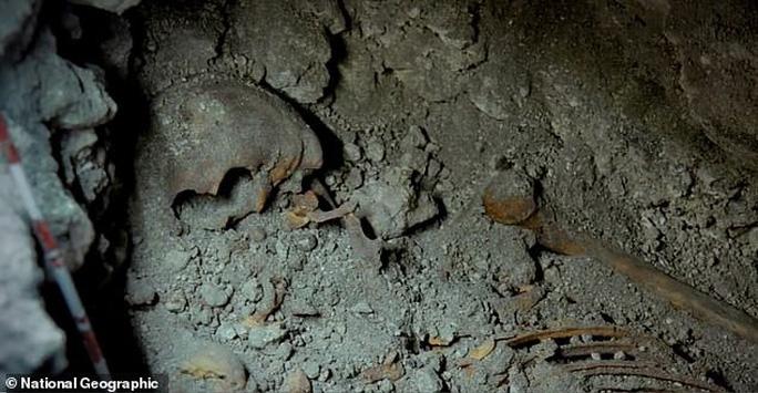 Nữ hoàng Maya lộ diện trong mộ cổ dưới lòng đất - Ảnh 1.
