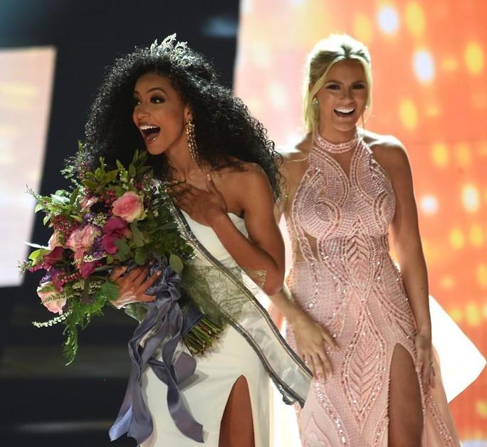 Nữ luật sư đăng quang Hoa hậu Mỹ 2019 - Ảnh 2.