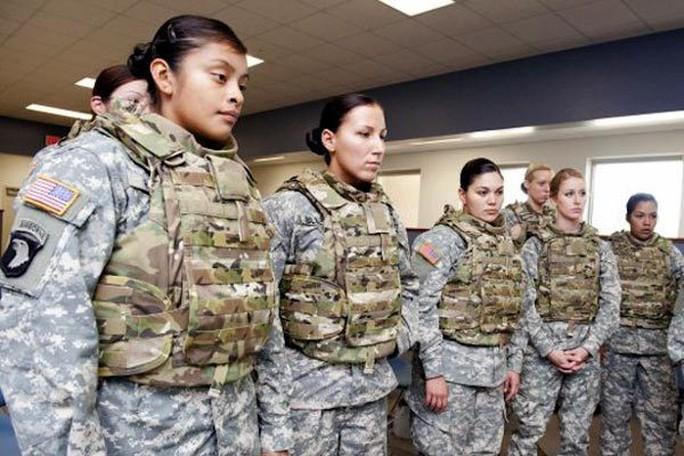 Tấn công tình dục trong quân đội Mỹ cao nhất từ trước đến nay - Ảnh 1.