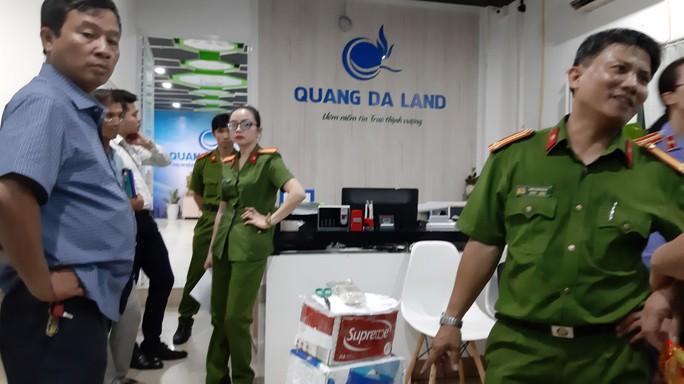 Vụ án bán đất ma tại Công ty Quảng Đà: Bắt thêm đối tượng lừa đảo - Ảnh 2.
