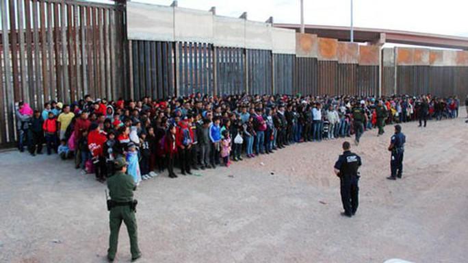 Mỹ chống nhập cư bất hợp pháp bằng thuế - Ảnh 1.