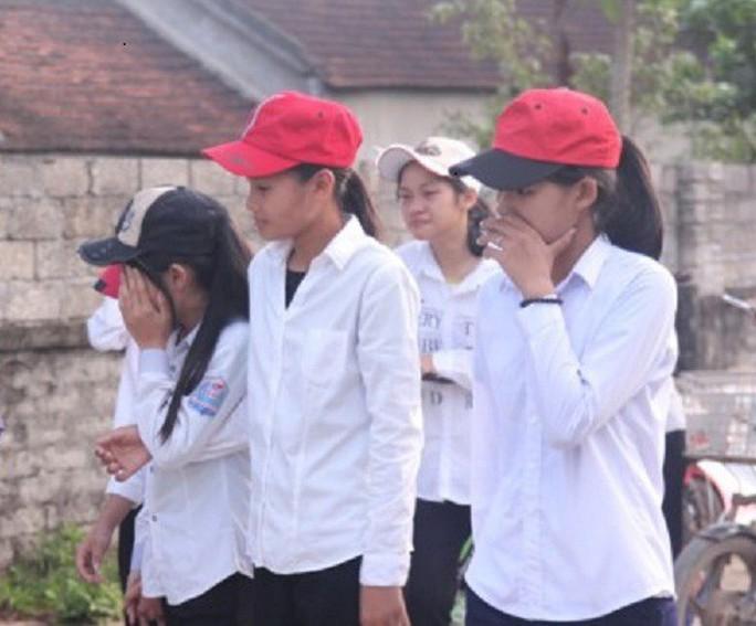 Trắng khăn tang làng quê 5 học sinh lớp 8 đuối nước tử vong - Ảnh 3.