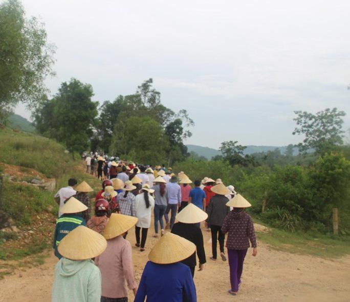 Trắng khăn tang làng quê 5 học sinh lớp 8 đuối nước tử vong - Ảnh 4.
