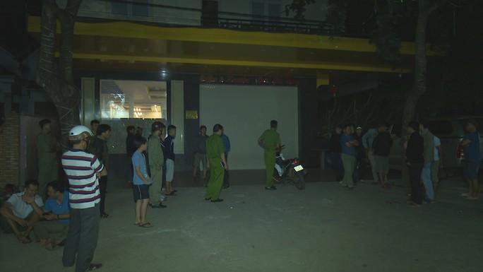 Một cán bộ huyện đâm chết đồng nghiệp tại quán karaoke - Ảnh 2.