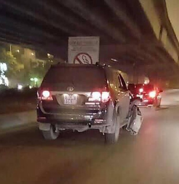 Xác minh bất ngờ về xe biển xanh 80A tông trọng thương người lái xe ôm rồi bỏ chạy - Ảnh 2.