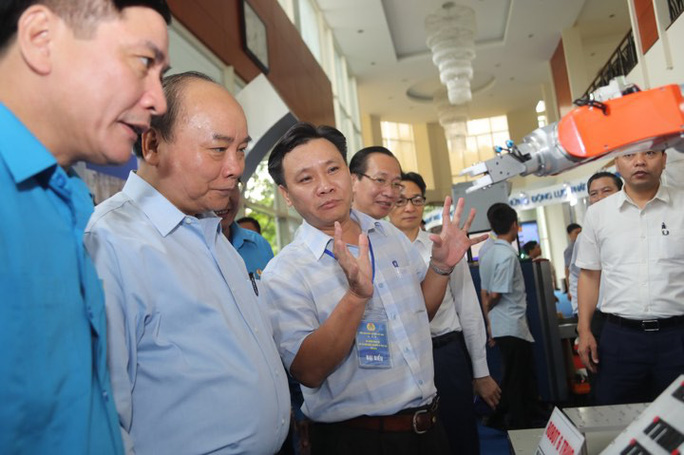 Thủ tướng gặp gỡ công nhân lao động kỹ thuật cao: 43 kiến nghị rất nặng ký! - Ảnh 3.