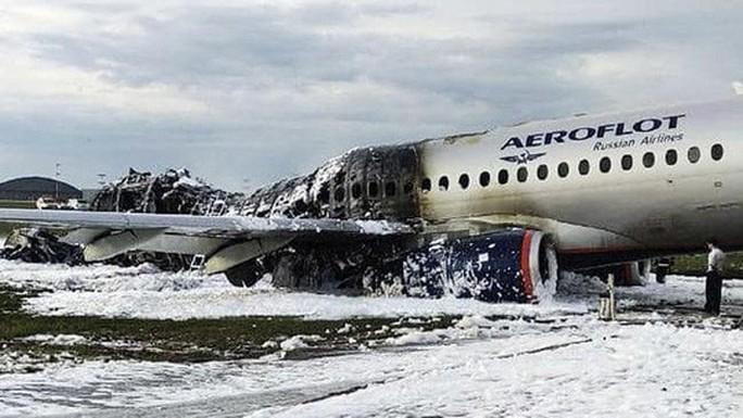 Tổng Bí thư, Chủ tịch nước gửi điện thăm hỏi vụ máy bay cháy ở Nga - Ảnh 2.