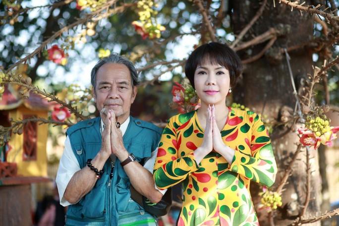 Nghệ sĩ Việt Hương đau buồn khi cha đột ngột qua đời - Ảnh 1.