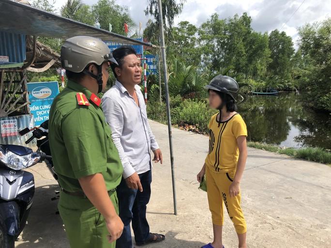 Bé gái nghi bị bắt cóc ở Thanh Hóa được tìm thấy ở Cà Mau - Ảnh 1.