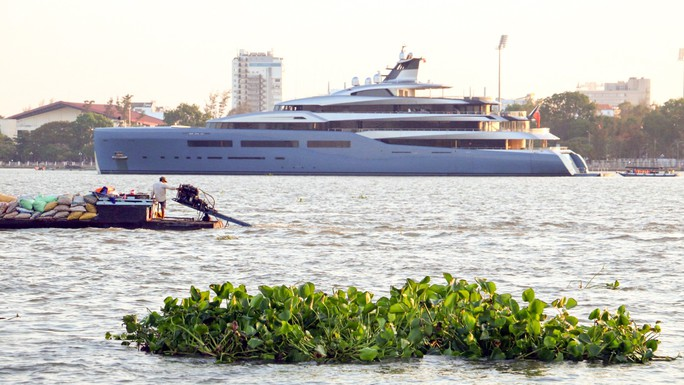 Cận cảnh siêu du thuyền triệu đô lướt sóng trên sông Hậu - Ảnh 9.