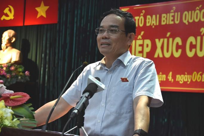 Phó Bí thư Thường trực Thành ủy TP HCM nói về vụ dâm ô trong thang máy ở quận 4 - Ảnh 1.
