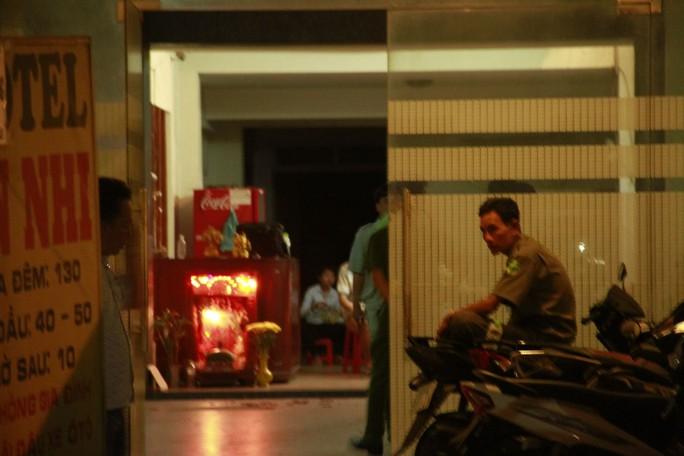 Cô gái bị người tình sát hại trước sự bất lực của nhân viên khách sạn - Ảnh 1.