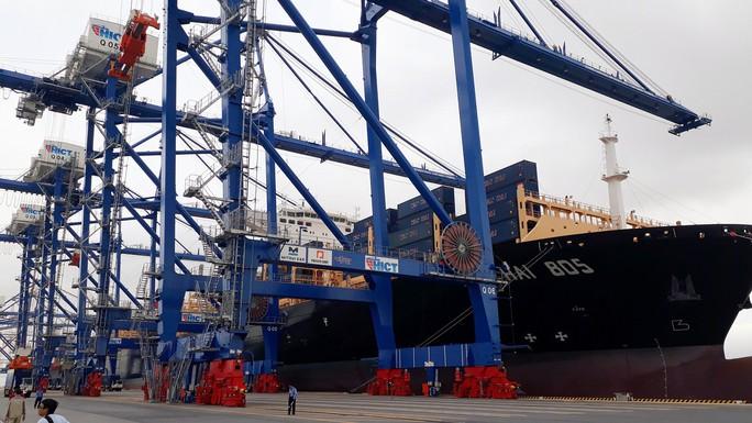 Hải Phòng đón tàu container lớn nhất từ trước tới nay - Ảnh 2.
