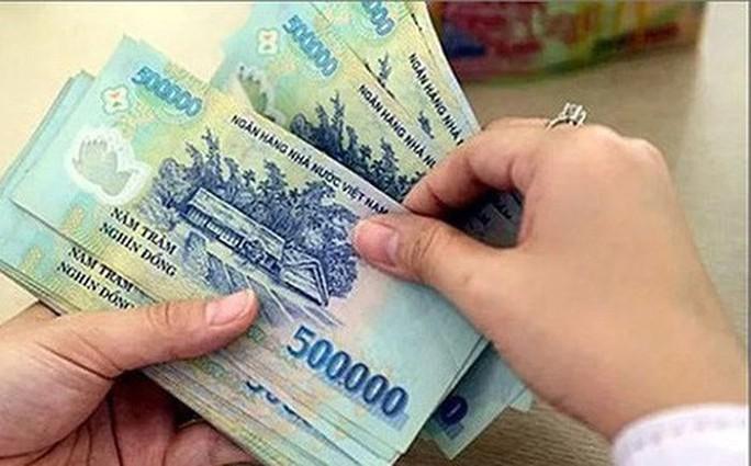 Từ 1-7, lương công chức loại A1 tăng ít nhất 234.000 đồng/tháng - Ảnh 1.