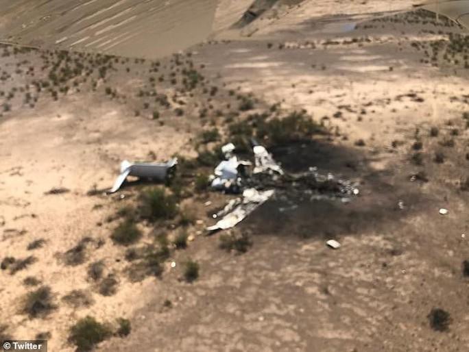 Máy bay rơi ở Mexico, không một ai sống sót - Ảnh 1.