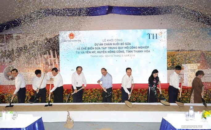 Thủ tướng dự lễ khởi công dự án bò sữa 166 triệu USD tại Thanh Hóa - Ảnh 1.