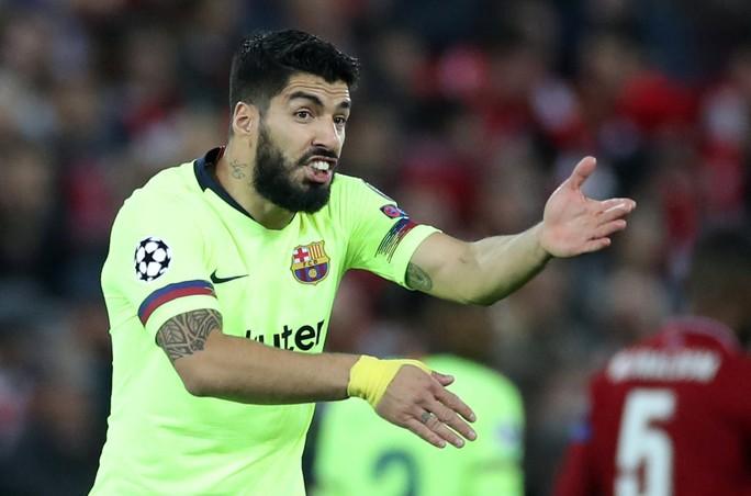 Luis Suarez: Barcelona đáng xấu hổ vì lặp lại sai lầm tương tự - Ảnh 3.